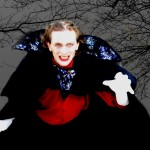 Dracula-bittet-zu-Tisch-04-150x150
